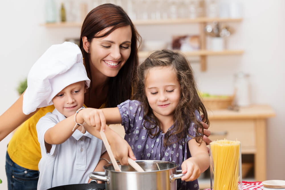 "kids in the kitchen ""mommy & me"" - session 2 - mazopiya"
